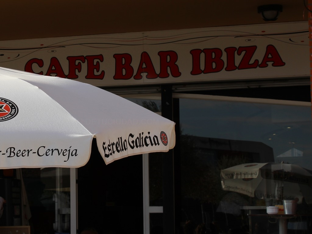 Cafe Bar Ibiza  -León-