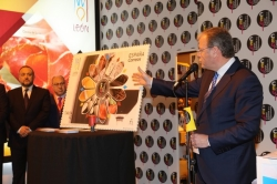 CORREOS lanza una tirada de 200.000 pliegos con 'León, Capital Española de la Gastronomía'