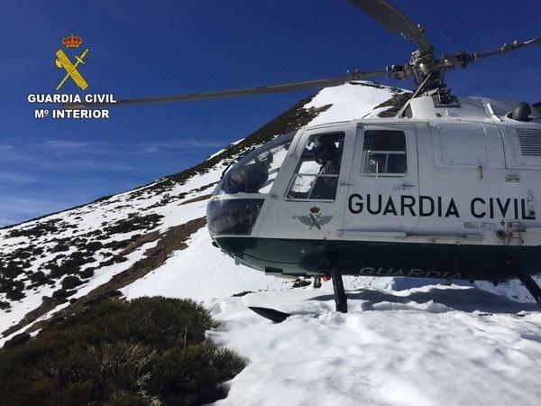 La Guardia Civil rescata a una mujer lesionada en las inmediaciones del Pico Lago
