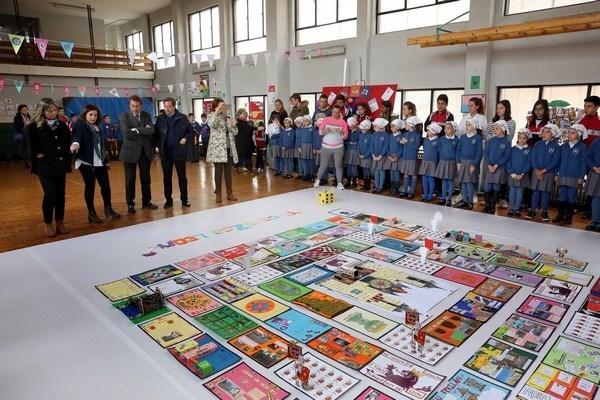 Los 750 alumnos y 56 profesores del Colegio Virgen Blanca participan en el proyecto 'Yo conozco León. ¿Y tú?'
