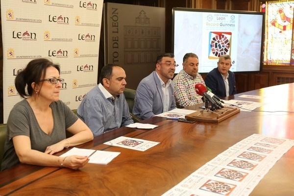 FOTO CéSAR / PRESENTACIóN DEL RECORD GUINNESS DE CECINA QUE TENDRá LUGAR EL PRóXIMO 27 DE MAYO
