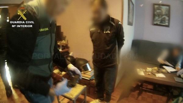 Una operación a nivel nacional permite decomisar 30 kilos de hachís en San Andrés del Rabanedo