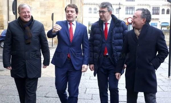 El Presidente de la Junta de Castilla y León promete un impulso económico a León para generar oportunidades y acabar con la
