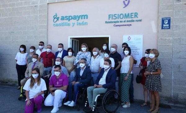 La consejera de Familia e Igualdad de Oportunidades inaugura un nuevo FISIOMER y la sede de ASPAYM Bierzo en Camponaraya