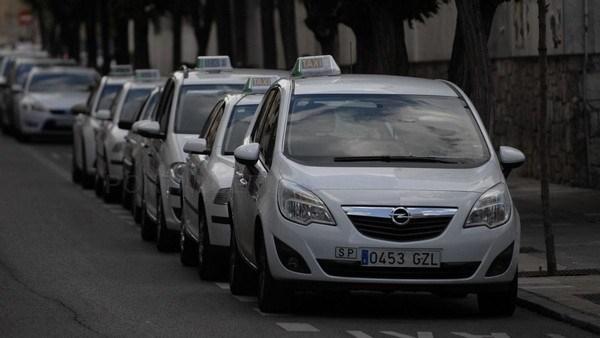 Ciudadanos pide al Ayuntamiento de León que se implique y medie en el conflicto de los taxistas