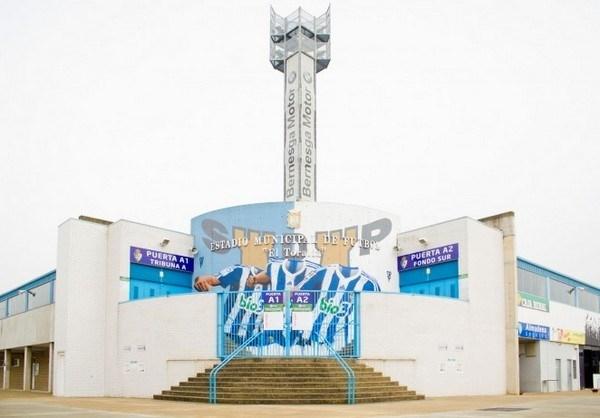 La economía local de Ponferrada dejó de ingresar 488.000 € por el fútbol sin público visitante