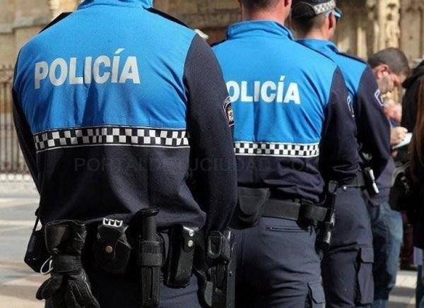 La Policía Local de León interviene en una colisión de tráfico de coche conducido por un menor