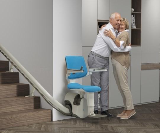 thyssenkrupp Home Solutions revoluciona el mercado con la nueva salvaescaleras S200