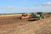 plantação de árvores em portugal, gps com precisão rtk, charco, atoleiro, nivelamento de terras,