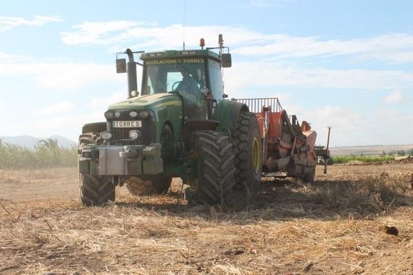 carregadoras, serviço de collheitadoras, terraplanagem em extremadura, terraplenagem na espanha,