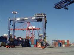 Las exportaciones extremeñas crecen un 2,5 por ciento los ocho primeros meses de 2014, hasta los 1.102,8 millones