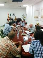 La Junta de Extremadura consensuará con los tabaqueros políticas comunes que construyan el futuro del sector en la Comunidad Autónoma