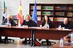 Junta de Extremadura y sindicatos acuerdan convocar 720 plazas para Maestros e Inspección en las oposiciones de 2019.