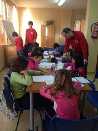 """Diez niños participan en el programa """"Éxito escolar"""" de Cruz Roja y el Ayuntamiento"""