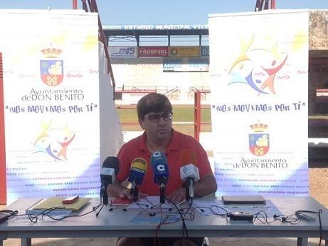 """Actuaciones de regeneración y resiembre del césped del Estadio Municipal """"Vicente Sanz"""""""