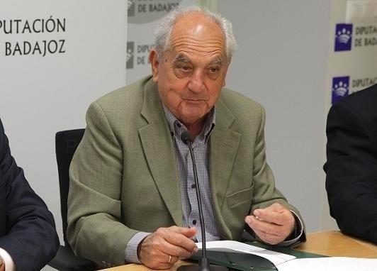 Desde el Ayuntamiento de Don Benito lamentamos la perdida del escritor José Antonio Gutiérrez