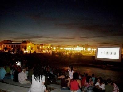 En agosto vuelve el cine de verano al parque El Rodeo