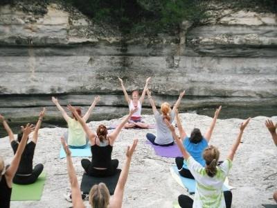 El Instituto Puerta de la Serena organiza la I Jornada sobre Yoga.