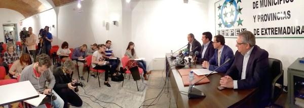 La Diputación de Badajoz y la FEMPEX crean una oficina de prevención de riesgos laborales