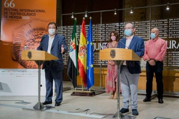El presidente de la Junta de Extremadura, Guillermo Fernández Vara, ensalza la apuesta por la cultura con la culminación del Festival Internacional de