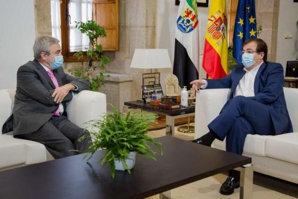 Los vicepresidentes de la Junta analizan con los eurodiputados de Cs Luis Garicano y Susana Solís las características de los futuros fondos europeos