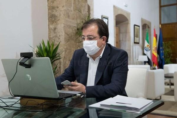 La Junta de Extremadura aprueba destinar 40 millones de euros en ayudas directas y sin convocatoria a sectores de la hostelería, turismo y comercio y