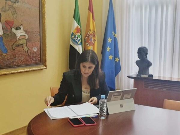 Gil Rosiña resalta el compromiso de la Junta de Extremadura con la igualdad y los derechos de las personas LGTBI
