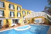 piscina, hotel con piscina en Menorca