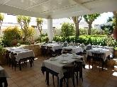 restaurante con patio exterior en menorca
