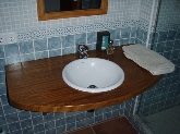 Muebles de cocina y baños, Carpinterías de madera