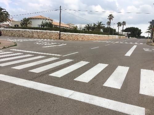 Ciutadella inicia el repintat de les marques viàries de les Urbanitzacions de sa Caleta, Serpentona i Cala en Bosc