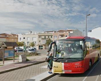 El servicio de transporte público de viajeros por carretera de Menorca incrementa el número de usuarios durante la temporada de verano de 2017.