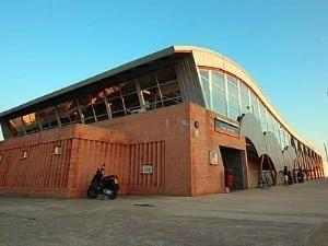 Adjudicades les obres d'una instal·lació solar fotovoltaica de 60 kW per autoconsum a la Piscina Municipal Tita Llorens