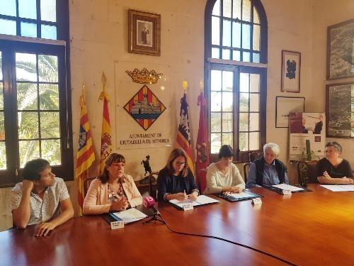 L'Ajuntament de Ciutadella signa la cessió de la balandra Valldemossa a favor del Museu Marítim de Mallorca