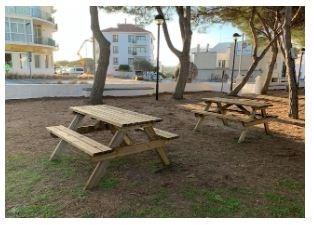 El Ayuntamiento de Alaior instala cuatro mesas de picnic en el parque de Sant Pere Nou