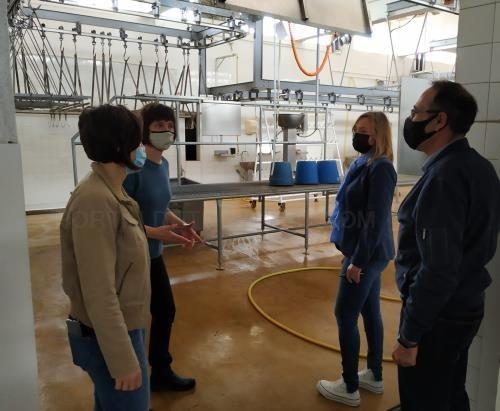 L'Ajuntament i el Consell visiten les instal·lacions de l'Escorxador Municipal de Ciutadella
