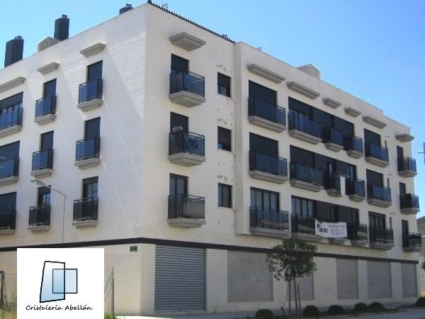Cristaleria para edificios en Ribarroja, cristaleria para construcción en Ribarroja del Turia