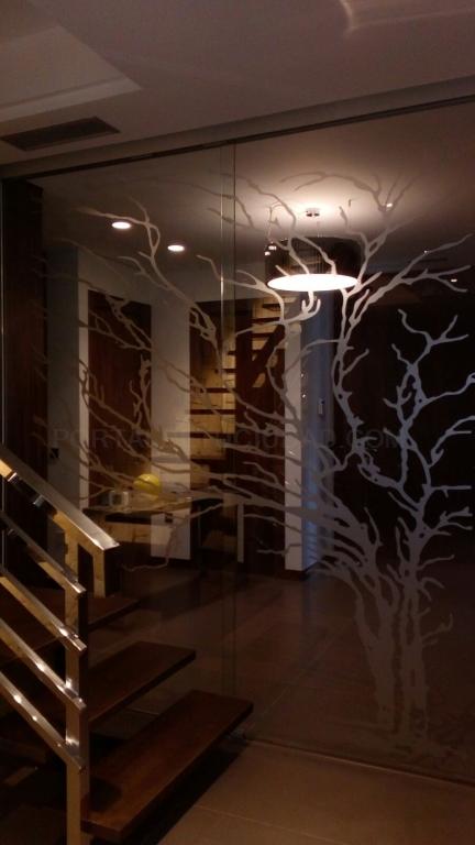 puertas abatibles y correderas de cristal decorativo, Vidrios de seguridad laminares y templados