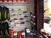 Tiendas de bicicletas y de material ciclista,  Venta y montaje de ruedas, cambios y accesorios