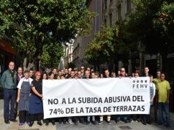 LA HOSTELERÍA DE LA ZONA CENTRO PROTESTA ANTE LA SUBIDA del 74% DE LA TASA DE TERRAZAS