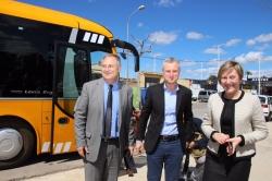 La consellera Mª José Salvador presenta los nuevos autobuses de la línea València-Llíria