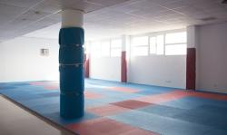 El Ayuntamiento de Bétera instala un nuevo tatami más resistente para la práctica de artes marciales