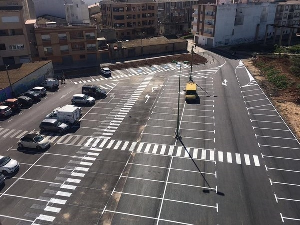 Avanzan las diferentes obras para mejorar calles y aceras, y para ampliar aparcamientos públicos a L`Eliana