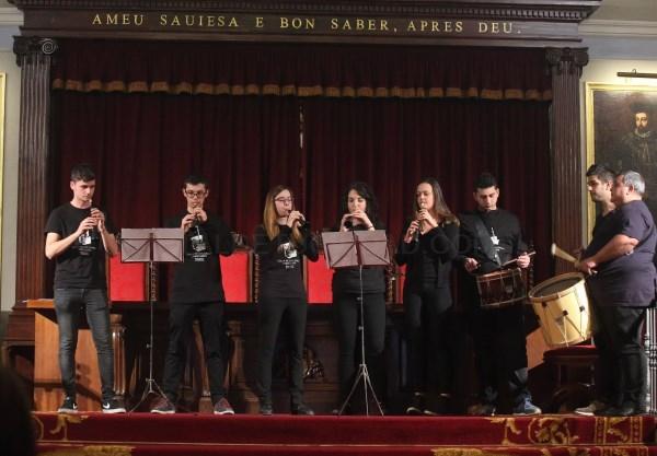 Dolçaines, tabalets y percusión en 'Serenates' en la Plaza del Patriarca