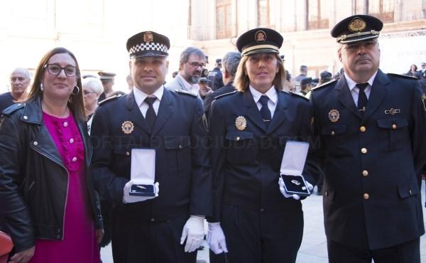 Condecorados dos agentes de la Policía Local de Bétera por su especialización en la lucha contra la violencia machista