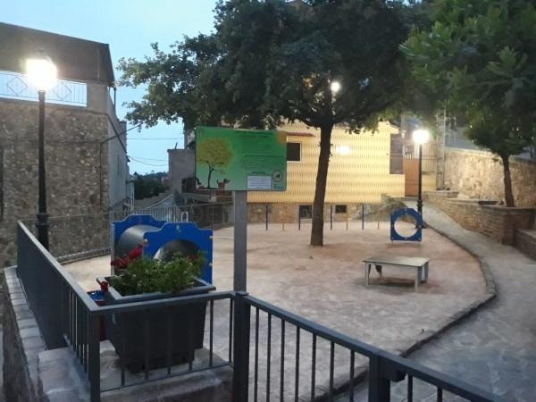 Serra pone en funcionamiento un parque canino en el casco urbano