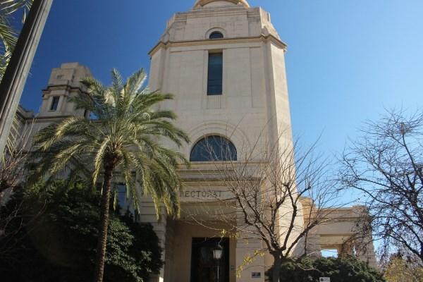La Universitat de València, entre las cien mejores del mundo en seis materias, según dos rankings