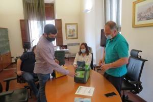 Una empresa dona un generador de ozono portátil al Ayuntamiento de Llíria