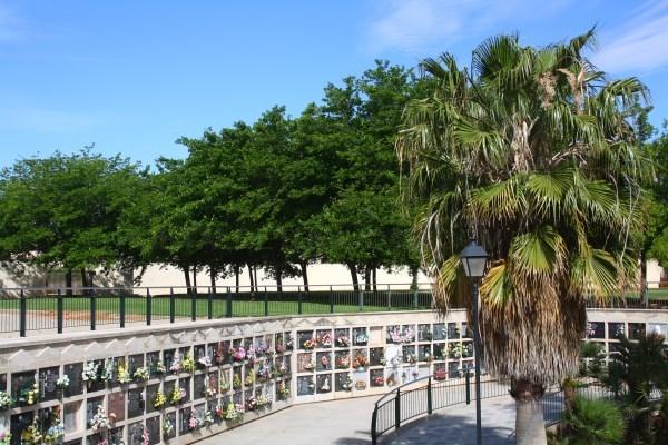 Horario especial de cementerios en l'Eliana para Todos los Santos