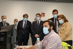 El presidente de la Generalitat y la ministra para la Transición Ecológica visitan las instalaciones de Power Electronics en Llíria